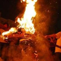 西昌普格:彝族火把节里的鲜肉味西昌普格:彝族火把节里