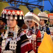 2014凉山彝族火把节传统选美决出最美索玛花