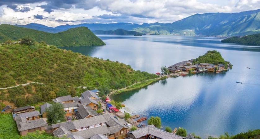 中国西部10条自驾游精品线公布 有1条从咱凉山穿过